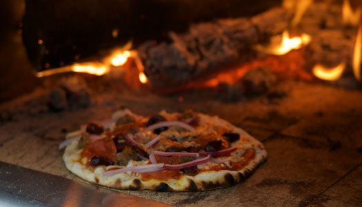 Post image Things To Consider When Ordering Pizza at an Italian Restaurant Choose the pizza - Things To Consider When Ordering Pizza at an Italian Restaurant